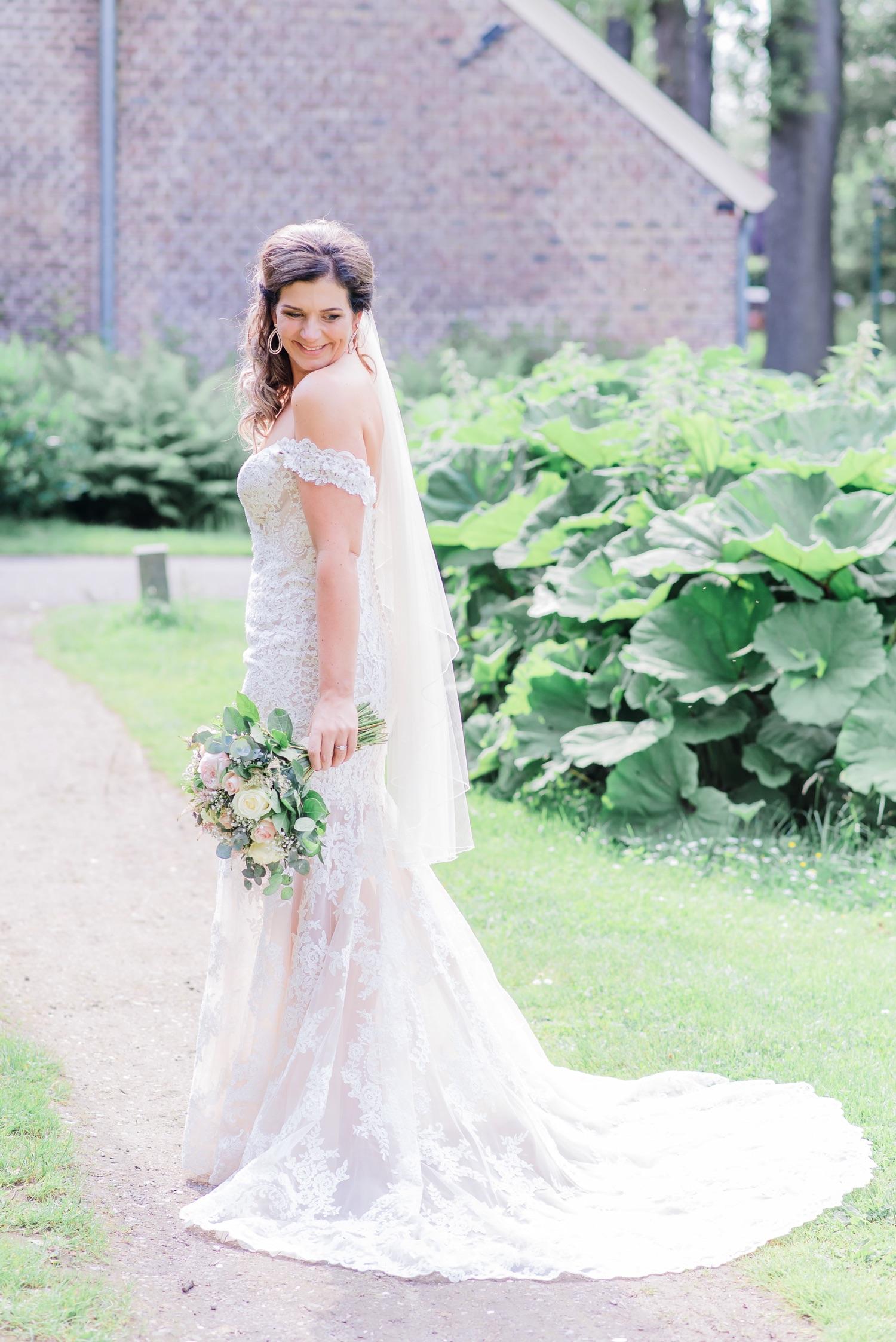 About   Blush Weddings